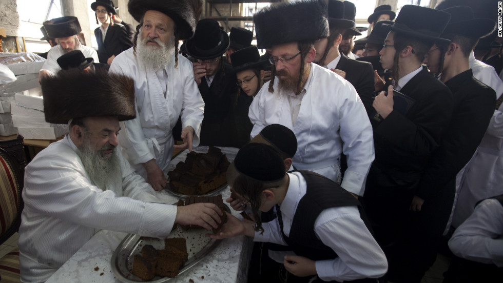 a personal narrative of eating and fasting on yom kippur a jewish holiday Yom kippur is a day of fasting and is considered one of the most important religious holiday for jews  not eating on yom kippur similarly inverts the normal pattern of jewish life it is by.